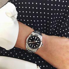"Gefällt 3,007 Mal, 18 Kommentare - TUDOR Watch OFFICIAL (@tudorwatch) auf Instagram: ""The perfect charm of the TUDOR Black Bay 36. #tudorwatch #blackbay #blackbay36 #watch"""