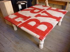 DIY Painted Pallet Coffee Table | 99 Pallets