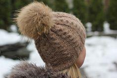 Strik en fin snoningshue til de koldere dage - af Woolspire Danmark Love Knitting, Knitting For Kids, Knitting Patterns Free, Diy Crafts Knitting, Knitting Projects, Knitting Ideas, Knit Mittens, Knitted Hats, Knit Crochet