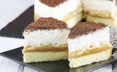 Banoffee cake on a sponge cake Vegan Banoffee Pie, Banoffee Cake, Pie Dessert, Dessert Recipes, Easy Desserts, Delicious Desserts, Individual Pies, British Desserts, Star Cakes