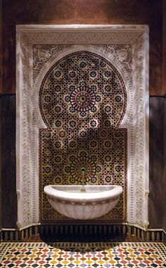 Moroccan Mosaic Tile projects - Home Decor Ideas Moroccan Art, Modern Moroccan, Moroccan Interiors, Moroccan Design, Moroccan Style, Moroccan Lanterns, Tadelakt, Tile Projects, Islamic Architecture