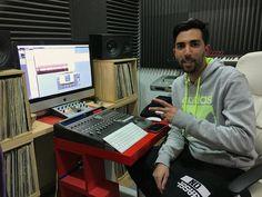 Primer día de grabación en @showtimeestudio con @_Gabo_O para su proyecto nuevo.  [Contacta con el estudio para grabar mezclar y/o masterizar tu proyecto en hola@ShowtimeEstudio.com o a través de la web]. #gabo #showtimeestudio #grabacion #mezcla #masterización #mastering #rap #hiphop #rapespañol #hiphopespañol #musica #bighozone #malaga