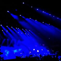 #Blue #lights at #Coachella for the #yeahyeahyeahs #visitca #epicca