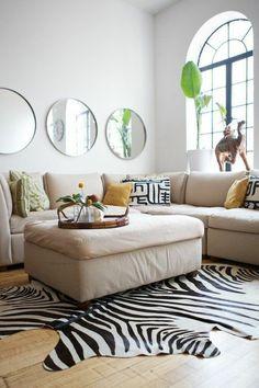 drei runde spiegel wohnzimmer wand