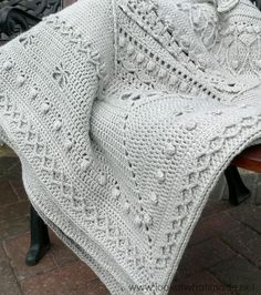 If you are worried about making Sophie's Universe in a single colour, you needn't be. Jenny's single colour Sophie looks amazing!