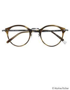 je crois que j ai besoin des lunettes. Mes yeux ne fonctionne pas aussi 886f6839f4cb