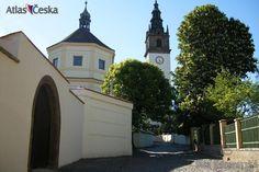 Litoměřice Czech Republic, Lab, Mansions, House Styles, Places, Home Decor, Bohemia, Decoration Home, Manor Houses