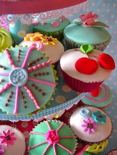 / vintage tea cupcakes / by nice icing / Fancy Cupcakes, Baking Cupcakes, Yummy Cupcakes, Tea Cupcakes, Cupcake Art, Cupcake Cookies, Cupcake Collection, Colorful Cakes, Colorful Food