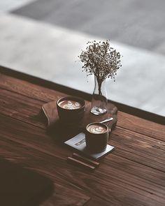 Expert Advice About Coffee Brewing - aromaticoffee Coffee Is Life, I Love Coffee, My Coffee, Morning Coffee, Coffee Break, Coffee Cafe, Coffee Drinks, Coffee Shop, Café Chocolate