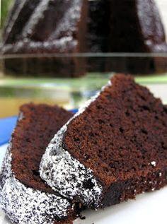 Schokoladen Guglhupf - feucht und schokoladig