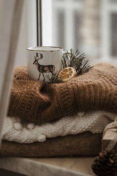 Autumn Aesthetic, Christmas Aesthetic, Cozy Aesthetic, Autumn Photography, Dance Photography, Winter Love, Cozy Christmas, Natural Christmas, Autumn Cozy