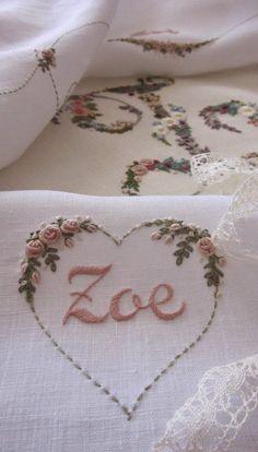 Elisabetta ricami a mano: Corredini nascita e Battesimo | beautiful roses!