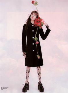Lalisa Manoban — [Scan] Lisa for Elle Korea Jennie Lisa, Blackpink Lisa, South Korean Girls, Korean Girl Groups, Korean Artist, Flower Fashion, Fashion Editor, New Girl, High Neck Dress