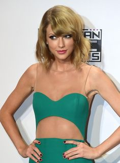 Always looking for a good taylor swift Kik group! Pm me if you know of one! : TaylorSwiftPictures