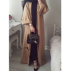 Hijab Fashion Selection of over 100 looks in trendy and chic Abaya Hijab Fashion 2017, Abaya Fashion, Fashion Outfits, Fashion Wear, Islamic Fashion, Muslim Fashion, Modest Wear, Modest Outfits, Modern Abaya