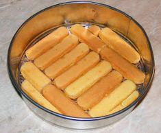Tort cu visine si piscoturi preparare Yami Yami, Jacque Pepin, Hot Dog Buns, Lidl, Cheesecake, Deserts, Dessert Recipes, Food And Drink, Ice Cream