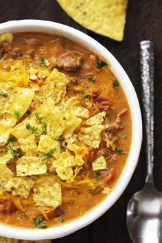 For your next Mexican-themed night we have a great easy slow cooker nacho soup recipe that could be a starter or paired with a salad to make a lighter meal. Slow Cooker Beefy Nacho Soup will really hit the spot on a cold night. Crock Pot Soup, Slow Cooker Soup, Slow Cooker Recipes, Crockpot Recipes, Cooking Recipes, Cooking Ideas, Chicken Recipes, Nacho Libre, Slow Cooking