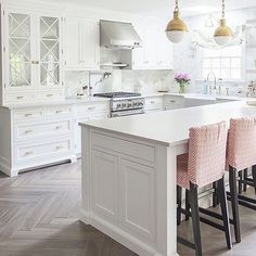 Isn't this @caitlinwilsondesign kitchen gorgeous? I featured it and many others in my The White Kitchen is Here to Stay blog post which landed in the 6th spot of my Top 10 of 2016! All 10 posts have been collected and are in my most recent post. I hope you will check it out! ✨ DecorGoldDesigns.com ✨