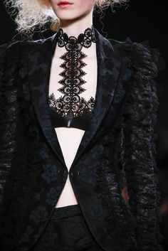 Alexander McQueen Fall 2015 Ready-to-Wear - Details - Gallery - Style.com
