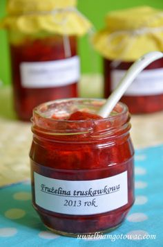 Uwielbiam gotować: Frużelina truskawkowa Polish Desserts, Polish Recipes, Sweet Recipes, Cake Recipes, Peach Jam, Easy Cooking, Cooking Ideas, Healthy Living, Jar