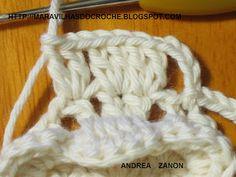 SAPATINHO DE BEBÊ DE CROCHE:    1 - Com a lã da cor de sua preferencia faça 16 corr. mais 3 para subir e 1 ponto alto na quinta corr. conta...