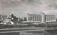 Ziekenhuis Bethlehem Melis Stokelaan/Vrederustlaan, plm. 1968 ansichtkaart uit de collectie van Gerard van der Swaluwe
