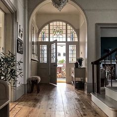 Entry Hallway Floor Hallway Tile Ideas Hall With Narrow Hallway Tiled Floor Narrow Hallway Home Entryway Decor Dream Home Design, My Dream Home, Home Interior Design, House Design, Interior Design For Hallways, Hallway Ideas Entrance Narrow, House Entrance, Modern Hallway, Entrance Halls