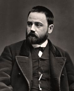 Émile Zola est un écrivain et journaliste français, né à Paris le 2 avril 1840 et mort dans la même ville le 29 septembre 1902. Wikipédia