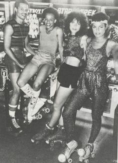 Jenny Tonic : Vintage Pop Culture: The Jock / Roller Disco Look Roller Disco, Roller Derby, Disco Roller Skating, Roller Rink, Disco Party, 70s Party, Disco Disco, Disco Funk, At The Disco