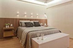 70 quartos de casal pequenos e decorados para te inspirar - Decor, Furniture, Room, Interior, Bedroom Design, Decor Inspiration, Home Decor, Bed, Interior Design