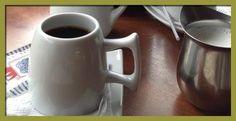 Nuestros amigos @RTPanama y @PlinioSanjur comparten un delicioso Café.
