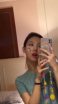 Kpop Girl Groups, Korean Girl Groups, Kpop Girls, K Wallpaper, Nayeon Twice, Twice Kpop, Im Nayeon, Dahyun, Kpop Aesthetic