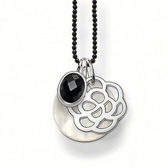 Thomas Sabo - layer it up! Thomas Sabo, Washer Necklace, Pendant Necklace, Sterling Silver Necklaces, Girly Things, Jewelry Accessories, Pendants, Pearls, Chain