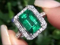 Angelina Jolie Certified Zambian Emerald & Diamond Ring New Consignment Up…