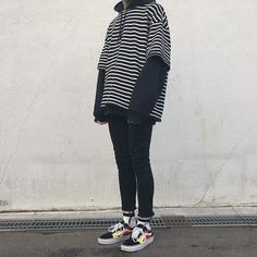 how to make clothes Grunge Outfits, Edgy Outfits, Korean Outfits, Cool Outfits, Fashion Outfits, Style Grunge, Soft Grunge, Mode Streetwear, Streetwear Fashion