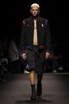Male Fashion Trends: Marcelo Burlon County of Milan Fall-Winter 2018-19 | Milan Fashion Week