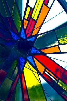 Posts about bicycle wheel stained glass written by Amy Begun Saab Stained Glass Designs, Stained Glass Panels, Stained Glass Projects, Stained Glass Patterns, Stained Glass Art, Bicycle Decor, Bicycle Art, Bicycle Design, Fused Glass Art