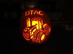 "Seriously impressive John Deere tractor pumpkin carving. aka ""High Horsepower Pumpkin Carving"""