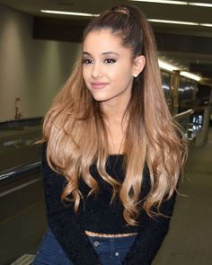 Ariana grande-new photo.:).