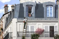 Imagine yourself coming back home from a long trip and… not being able to find it.   This might actually happen if you lived in one of the buildings that got touched by this talented French street artist Patrick Commecy. Together with his team, he creates huge murals of hyper-realistic facades that bring blank and boring city walls to life.