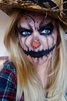 Looking for for inspiration for your Halloween make-up? Browse around this site for creepy Halloween makeup looks. Halloween Pumpkin Makeup, Scary Scarecrow Costume, Unique Halloween Makeup, Halloween Costumes Scarecrow, Halloween Outfits, Scary Halloween Pumpkins, Scarecrow Makeup, Hallowen Costume, Homemade Halloween Costumes