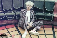 Park Chanyeol - Love Me Right You make my heart die chanyeol oppa! Kim Joon, Kim Min Seok, Xiu Min, Park Chanyeol Exo, Kpop Exo, Kyungsoo, Cute Celebrities, Korean Celebrities, Tao