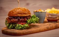 O să merite ! Hamburger, Restaurant, Chicken, Ethnic Recipes, Food, Salads, Diner Restaurant, Essen, Burgers