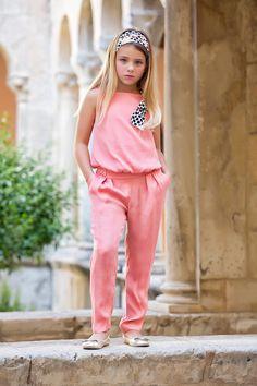 El Mono, modelo estrella de esta temporada. Nuestras niñas siguen las tendencias de moda, como sus mamás.