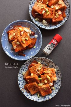 This is an easy Korean tofu dish and a really delicious and healthy one too. It is very quick to prepare and require only a handful of ingredients: tofu, onion,… Easy Korean Recipes, Asian Recipes, Tofu Recipes, Gourmet Recipes, Braised Tofu Recipe, Tofu Dishes, Korean Dishes, Toasted Sesame Seeds, Cook At Home