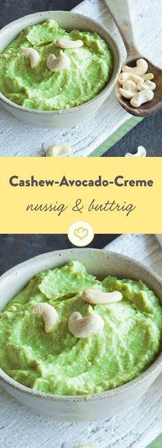 Nussig trifft buttrig: Kernige Cashews vereinen sich mit aromatischen Avocados zu einer Creme, von der man einfach nicht genug bekommt.