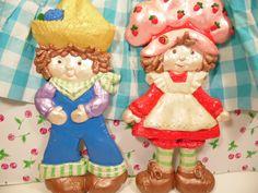 https://www.etsy.com/listing/187436186/pair-chalkware-strawberry-shortcake-wall?ref=sr_gallery_2&ga_search_query=strawberry+shortcake&ga_order=date_desc&ga_page=21&ga_search_type=all&ga_view_type=gallery