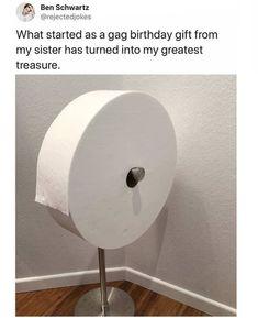 The Funniest Quarantine Memes So Far Stupid Funny Memes, Funny Relatable Memes, Funny Pins, Haha Funny, Funny Cute, Funny Texts, Funny Stuff, Random Stuff, 9gag Funny