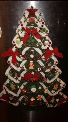My crocheted gingerbread tree. (I apparently need to clean my fridge door a little better!Christmas Tree in Grandma's Crochet – Quilt Instrctions Crochet Christmas Wreath, Crochet Christmas Decorations, Homemade Christmas Decorations, Christmas Tree Pattern, Ceramic Christmas Trees, Christmas Tree Crafts, Christmas Crochet Patterns, Holiday Crochet, Christmas Knitting