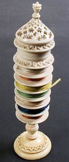 Ivory standing reel compendium, French.
